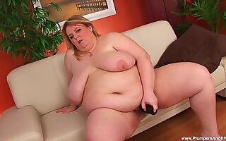 Chubby mature slut pleasures her massive tits and juicy fuck hole