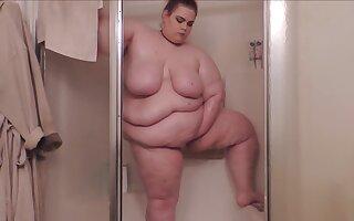 ssbbw caught shower voyeur cam