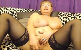 Big Granny - LIVE ON www.sexygirlbunny.tk