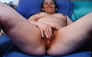 18yo Plays with pussy