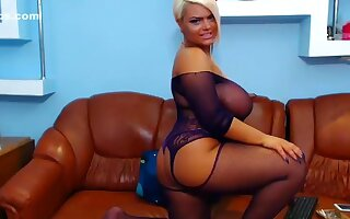 maddysweetie intimate record on 06/13/15 from chaturbate