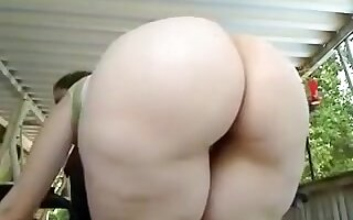 Here is my white BBW appetizing booty snack time with my babe
