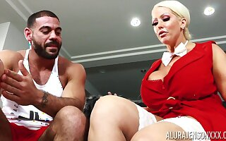 Housewife with king size boobs Alura Jenson bangs husband's personal trainer