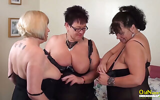 Big upfront tits be fitting of mature column respecting threesome lesbian simulate including pussy masturbation