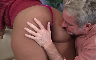 Chubby Boobed Ebony Heavy Getting Some White Male Pole