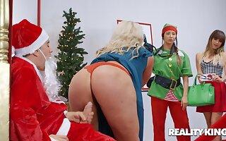 Get under one's Naughtiest Little Santa Claus - Jordi el Nino Polla dicking fat ass mom Alura TNT Jenson