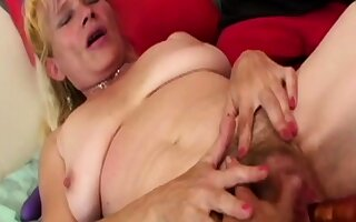 Two blondes in kinky nance endanger